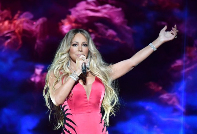 mariah carey singing live on stage