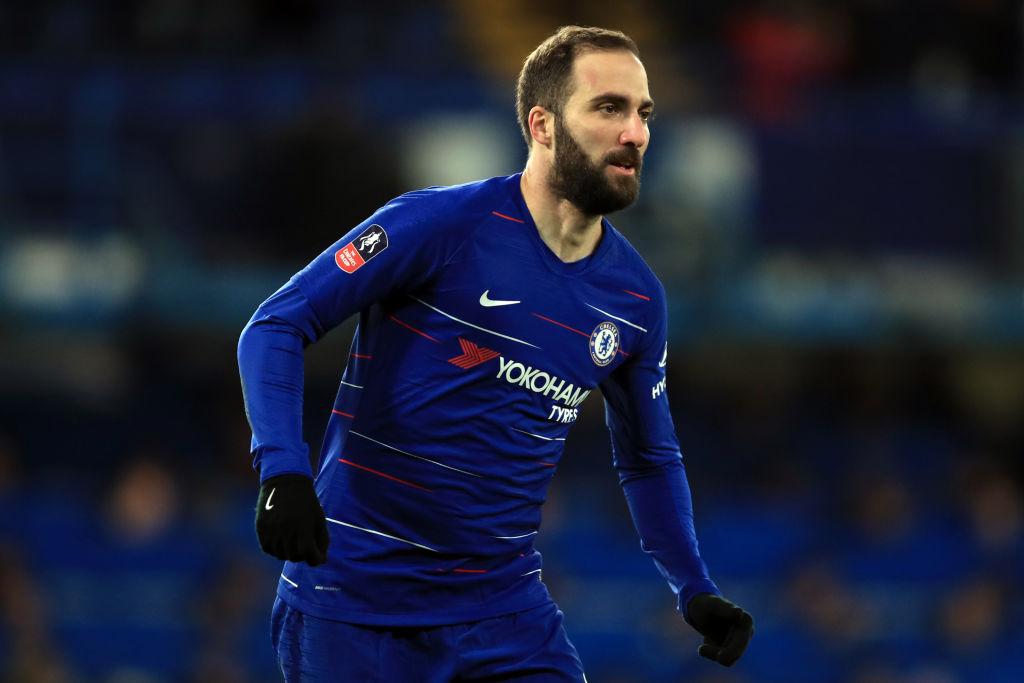 Maurizio Sarri surprised Gonzalo Higuain gave penalty to Willian on Chelsea debut
