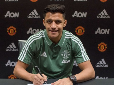 Arsenal fans hijack tweet celebrating Alexis Sanchez's Manchester United anniversary