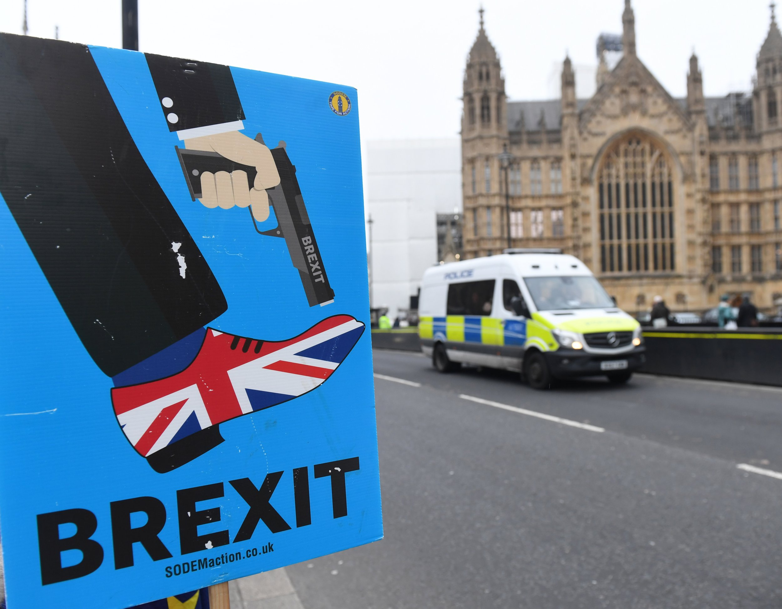 epa07273398 Pro EU supporters display a sign outside the Houses of Parliament in Westminster in London, Britain, 10 January 2019. MPs are debating Theresa May's Brexit plan a month after she postponed the original commons vote. Media reports state that Labour leader Jeremy Corbyn has confirmed his party members will vote against Prime Minister's May Brexit agreement and his Party will call for a General Election to 'break the deadlock' over Brexit. The meaningful vote on EU withdrawal agreement will be held on 15 January. EPA/FACUNDO ARRIZABALAGA