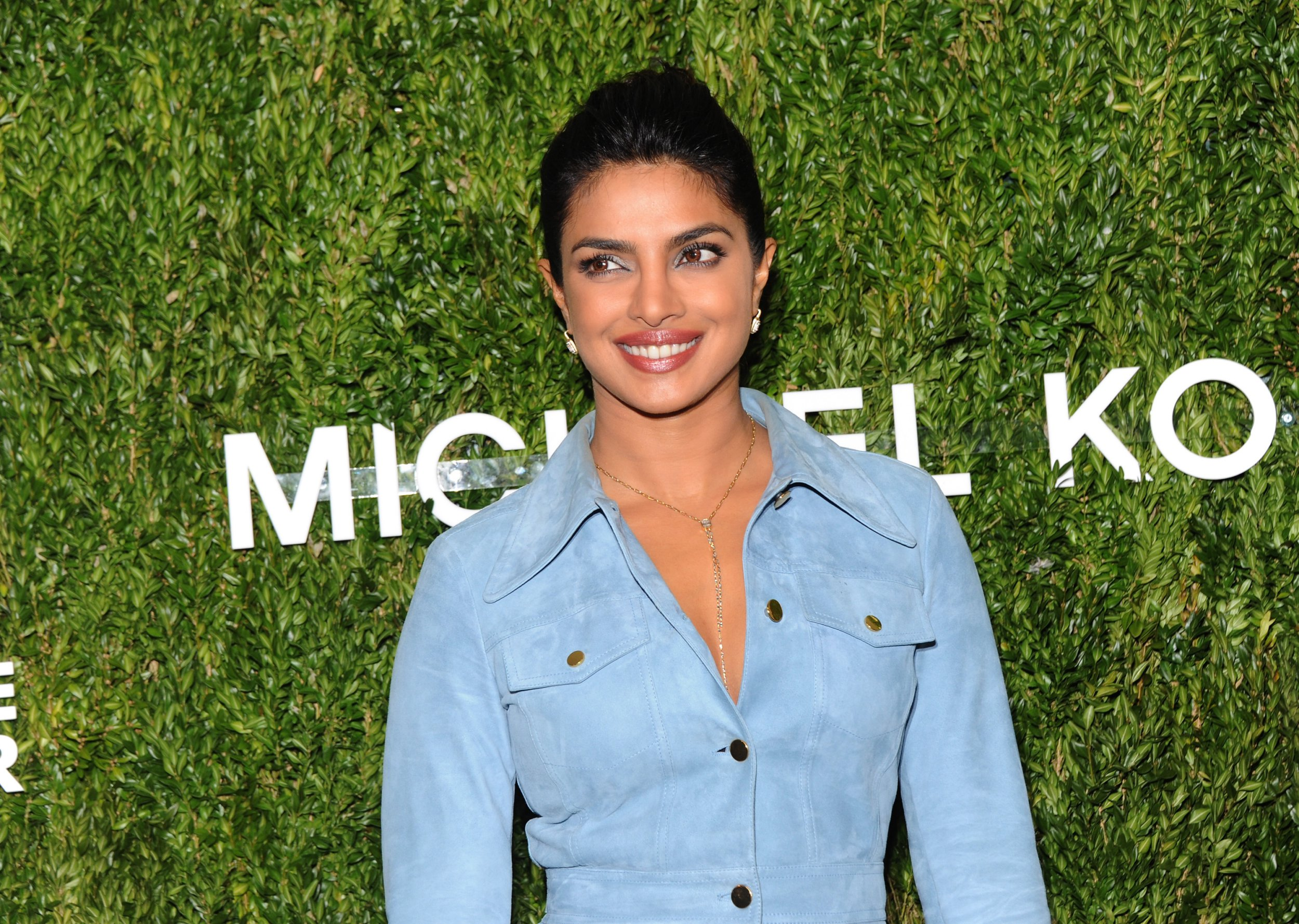 NEW YORK, NY - OCTOBER 16: Priyanka Chopra caters for God's Love We are Delivering the 12th Annual Heart Heart Award at Spring Studios on October 16, 2018 in New York City. (Photo by Desiree Navarro / Getty Images)