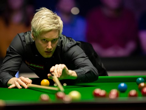 Neil Robertson wins five straight frames en route to beating Barry Hawkins at the Masters