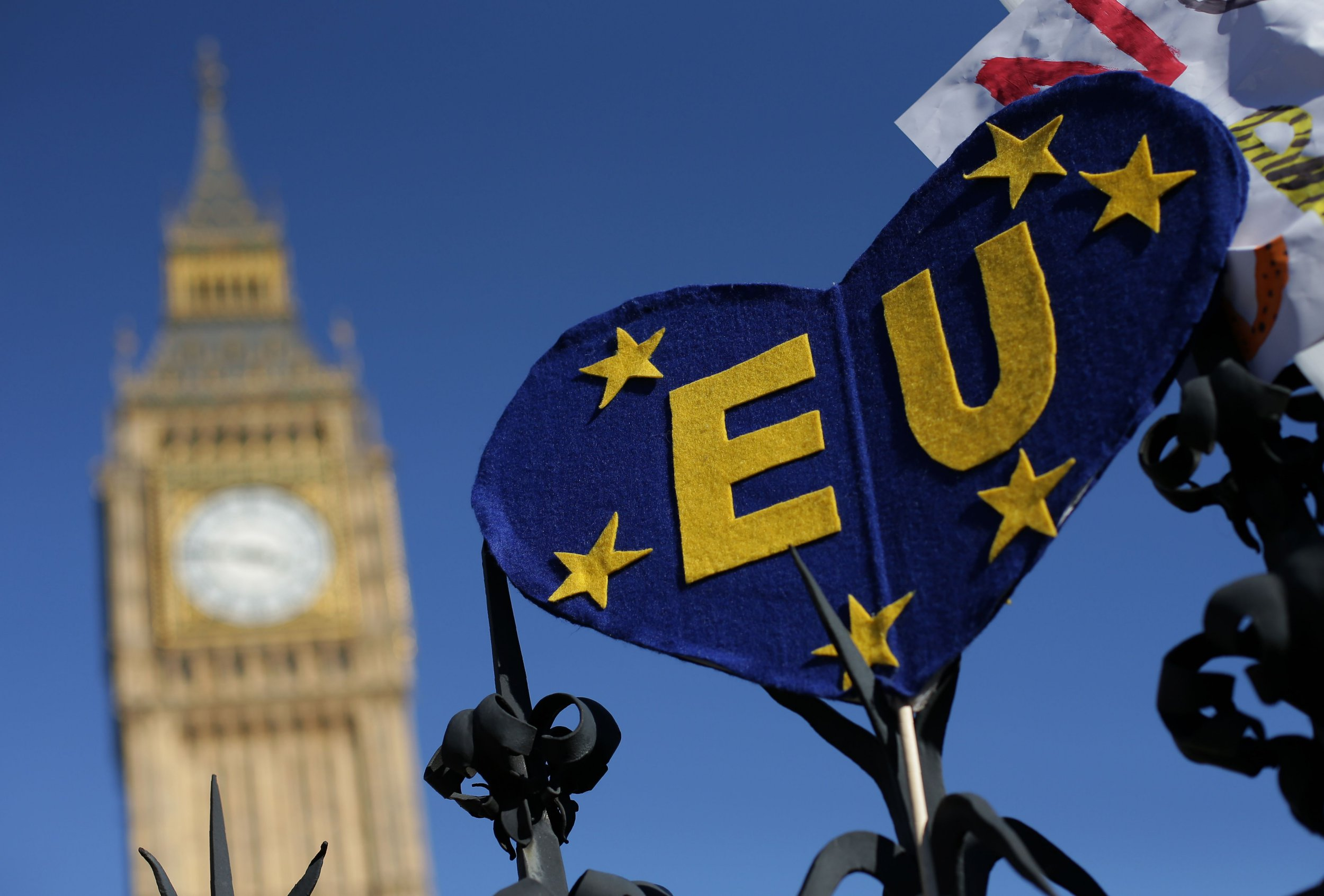 An EU themed placaard is pictured on a railing near the houses of Parliament during a rally follwing an anti Brexit, pro-European Union (EU) march in London on March 25, 2017, ahead of the British government's planned triggering of Article 50 next week. - Tens of thousands of pro-EU protesters took to London's streets Saturday, in defiance of the terror threat, to mark the bloc's 60th anniversary just days before Brexit begins. (Photo by Daniel LEAL-OLIVAS / AFP) (Photo credit should read DANIEL LEAL-OLIVAS/AFP/Getty Images)