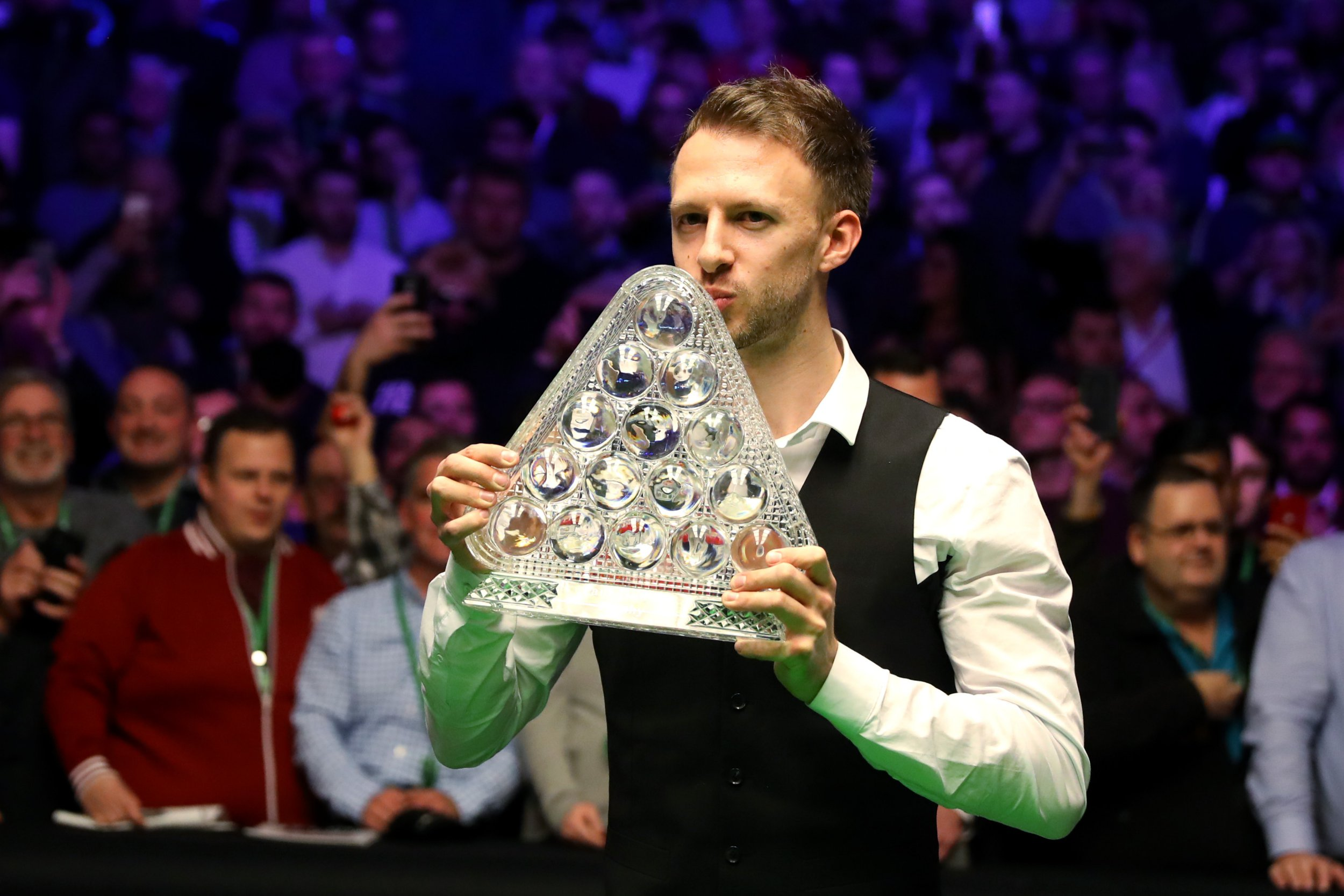 Judd Trump begins his 'granite snooker' era with Masters thumping of Ronnie O'Sullivan