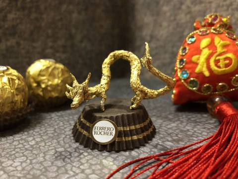 Man creates gorgeous sculptures out of Ferrero Rocher wrappers