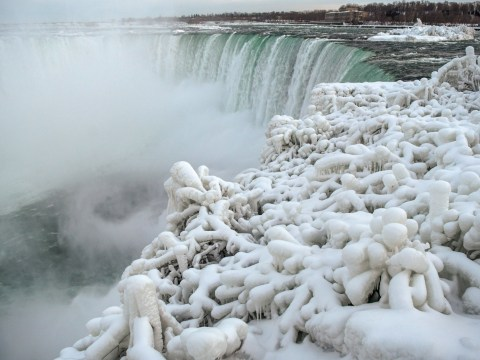 Incredible pictures of frozen Niagara Falls as temperatures hit -20°C