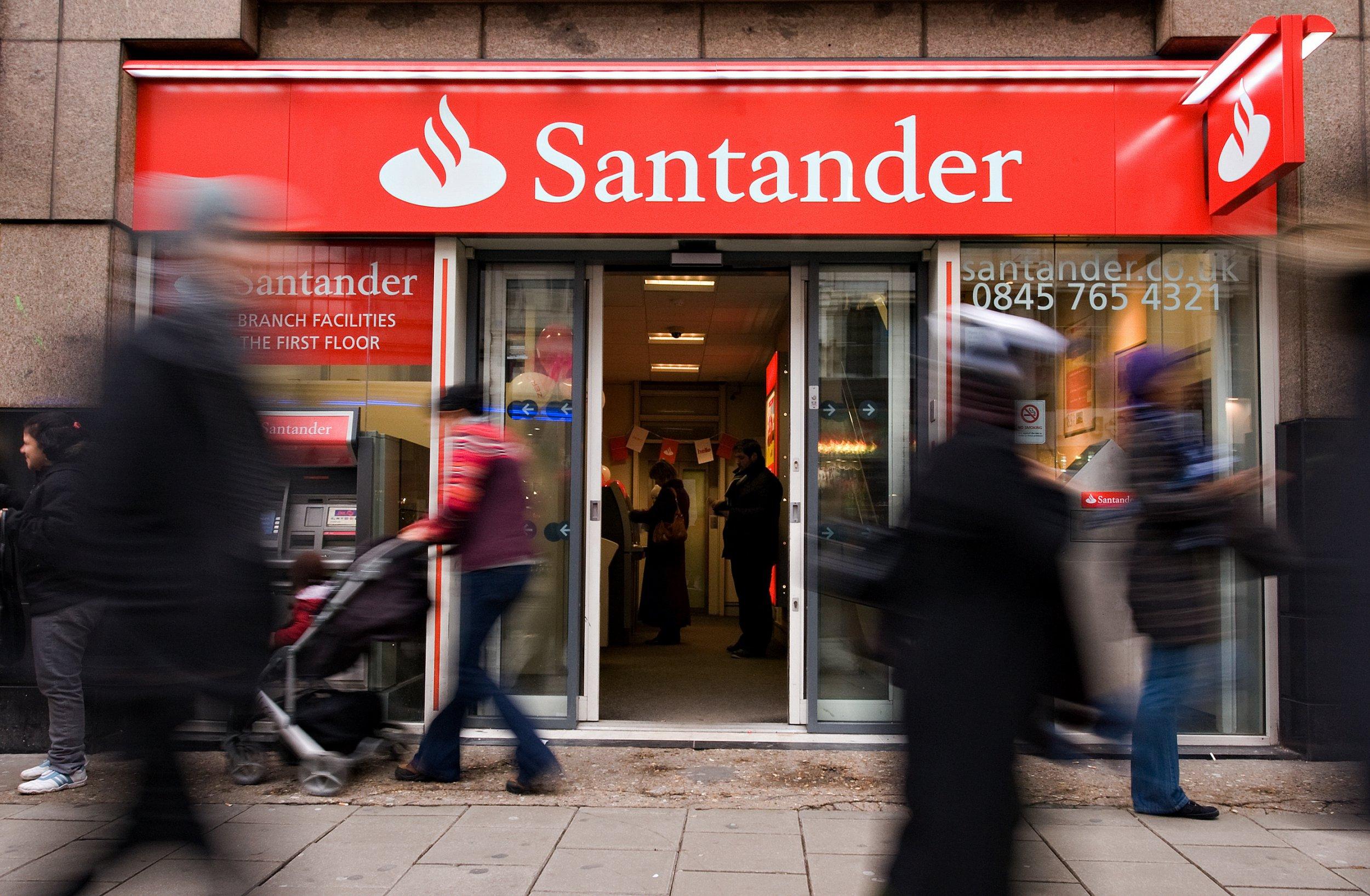 Santander bank on Oxford Street