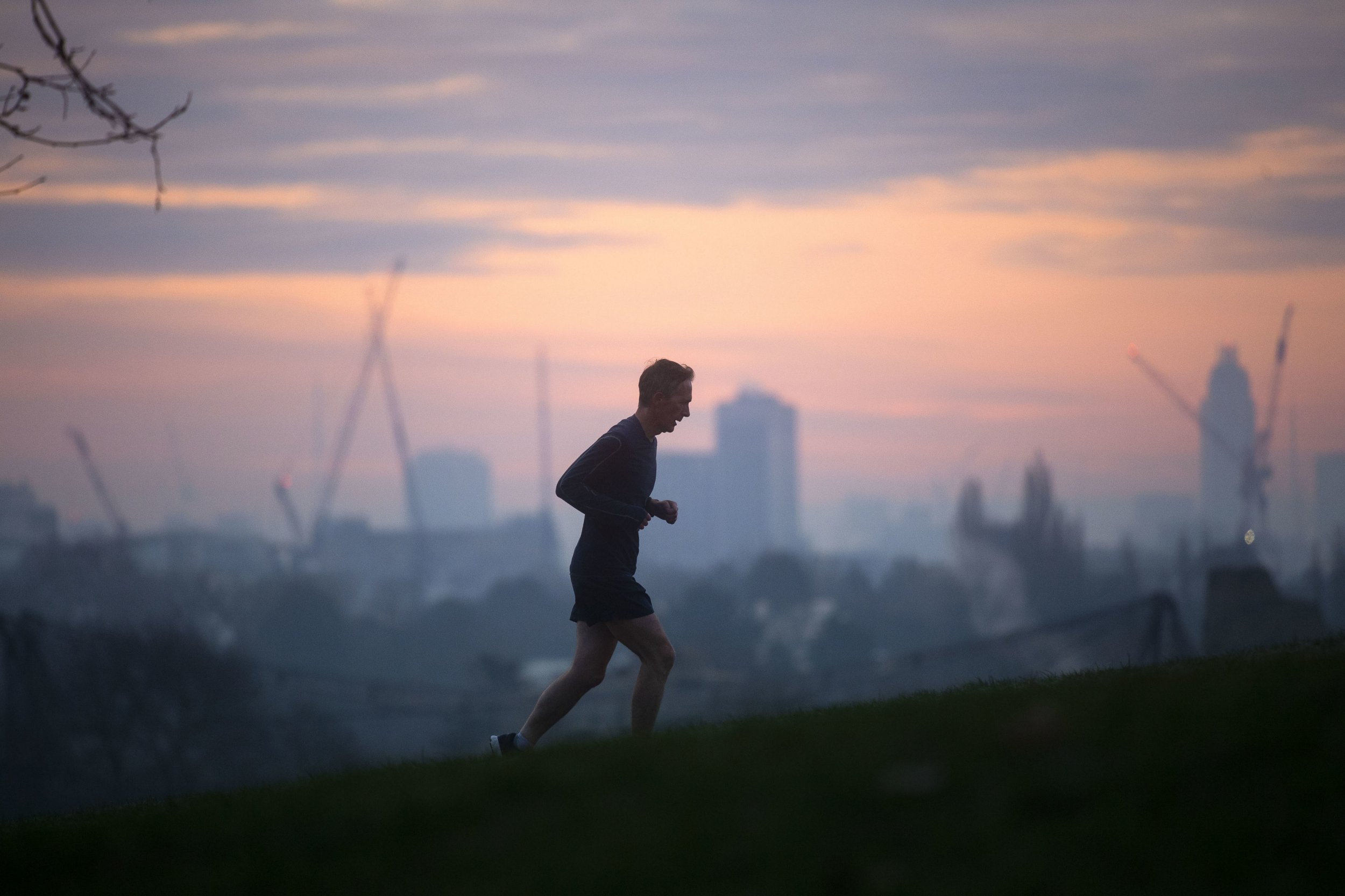 Early risers less prone to mental health problems, study claims