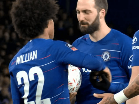 Gonzalo Higuain steps aside to let Willian score his 50th Chelsea goal