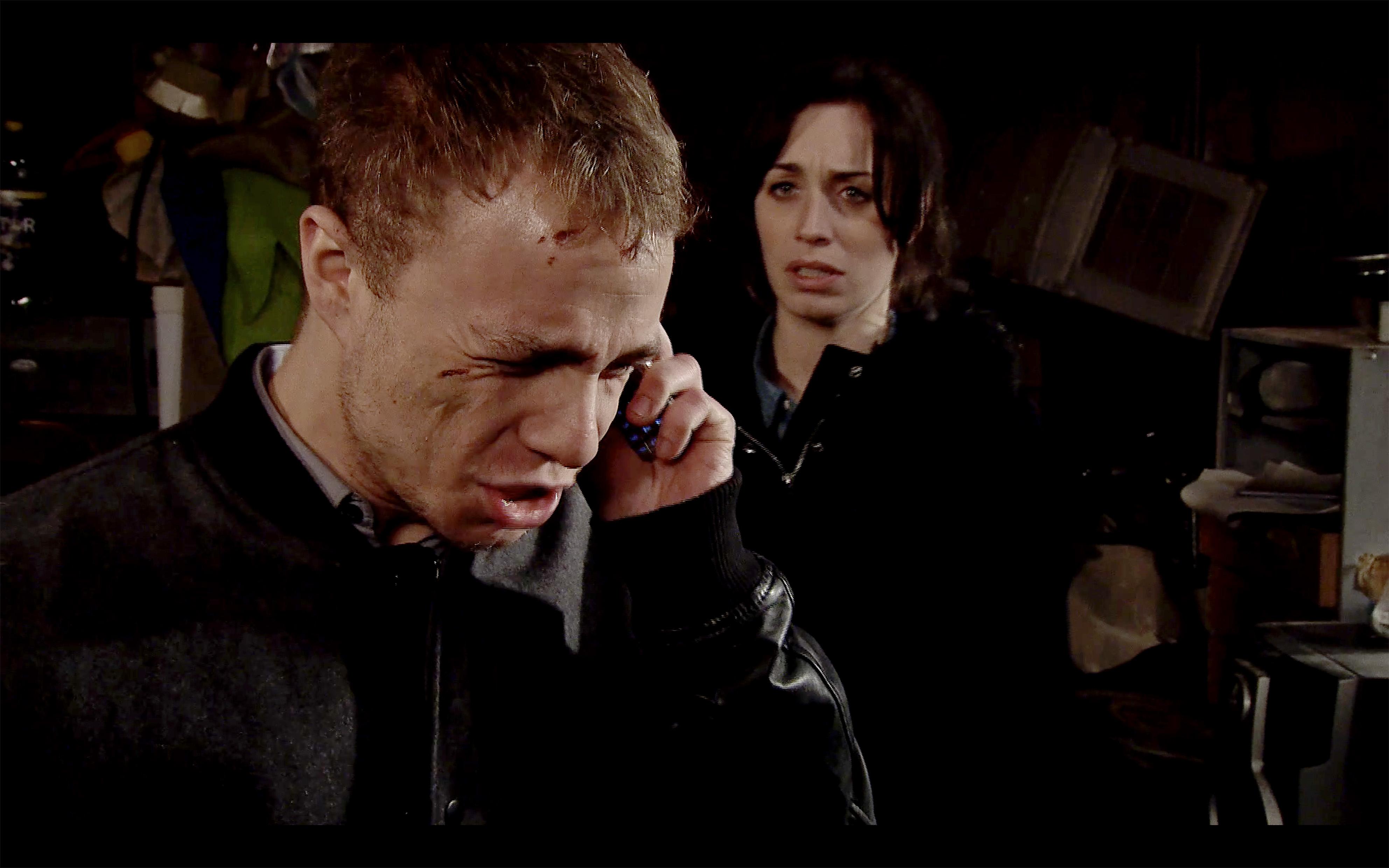 Clayton terrifies Shona in Coronation Street