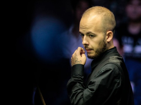 Luca Brecel dramatically beats the clock with stunning red at Snooker Shoot Out
