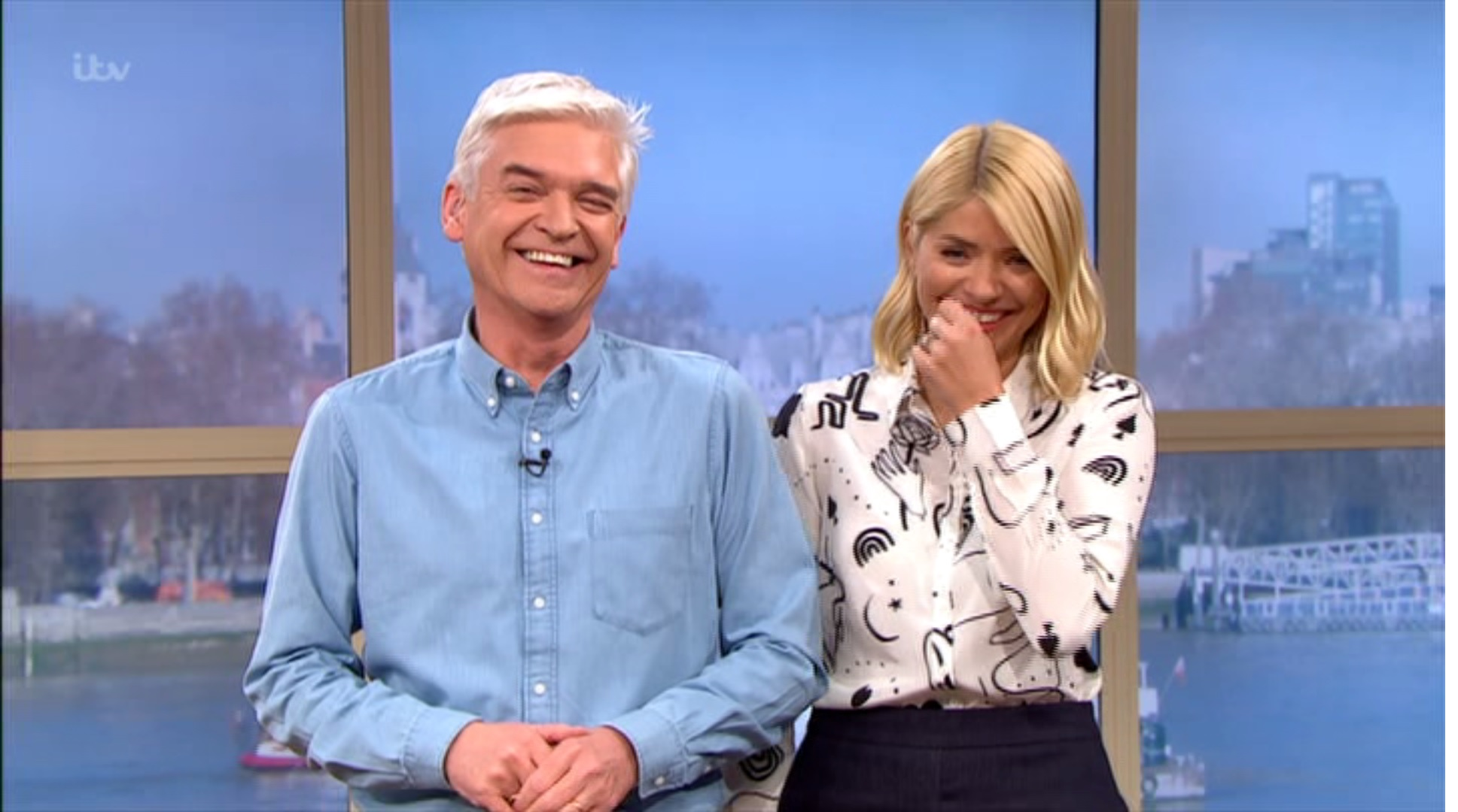 Holly Willoughby and Philip Schofield lose it over Phil Vickery's 'cheesy leeks'