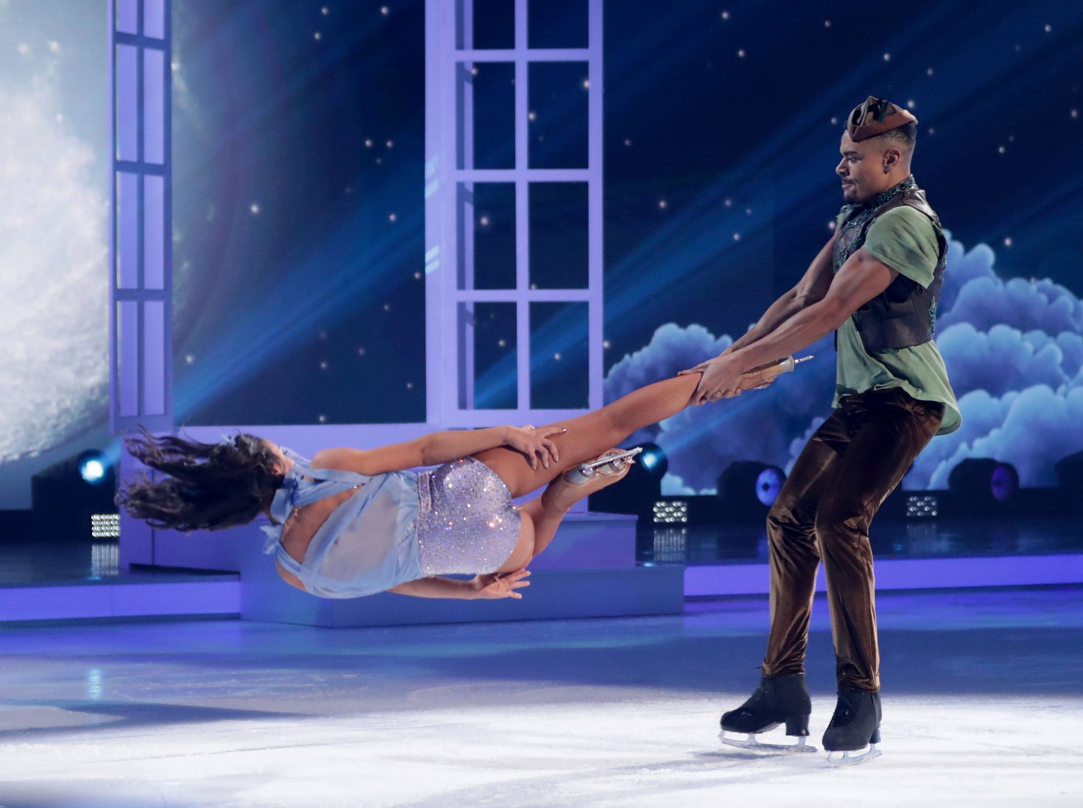 Wes Nelson has basically won Dancing On Ice as he aces dangerous headbanger move