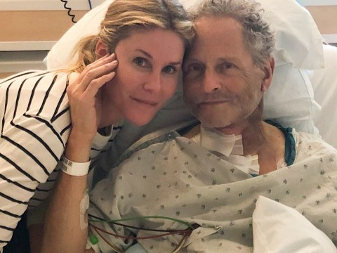 Fleetwood Mac's Lindsey Buckingham suffers damage to his vocal cords after open heart surgery