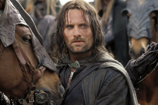 Editorial use only. No book cover usage. Mandatory Credit: Photo by Pierre Vinet/New Line/Saul Zaentz/Wing Nut/Kobal/REX/Shutterstock (5885845v) Viggo Mortensen The Lord Of The Rings - The Two Towers - 2002 Director: Peter Jackson New Line /Saul Zaentz/Wing Nut Films USA Scene Still Games Seigneur Des Anneaux: Les Deux Tours, Le