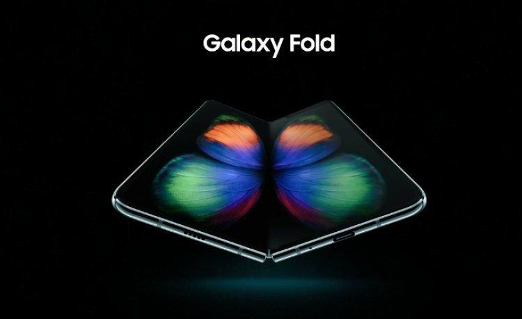Samsung unveils Galaxy Fold smartphone Provider: Twitter/ThePhoneTalks Source: https://twitter.com/ThePhoneTalks/status/1098086909069250560