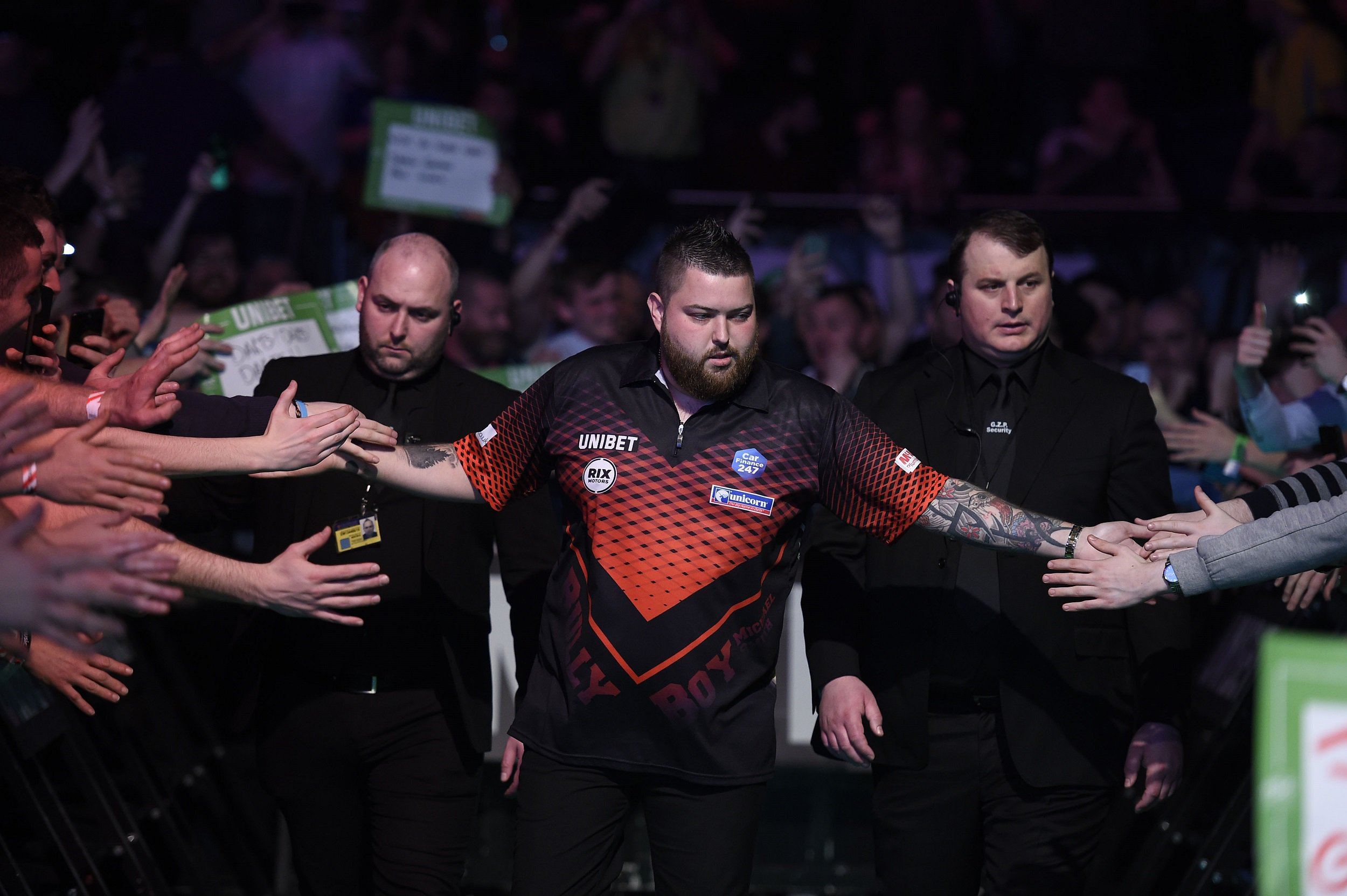 Michael Smith offers Nathan Aspinall advice after Premier League Darts hammering