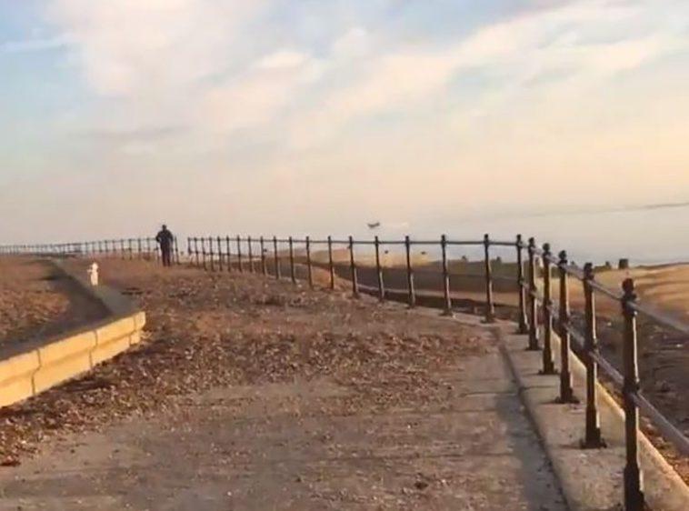 METRO GRAB from @wendybaker14 Twitter https://twitter.com/wendybaker14/status/1099597564326875138 Border force investigate empty boat seen off coast of Dover Credit: @wendybaker14/Twitter