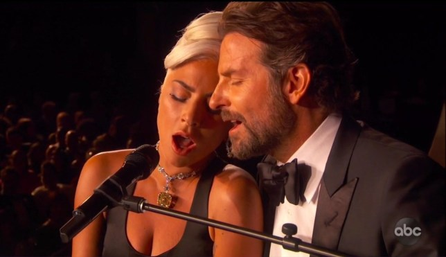 Lady Gaga and Bradley Cooper performing Shallows at the Oscars 2019