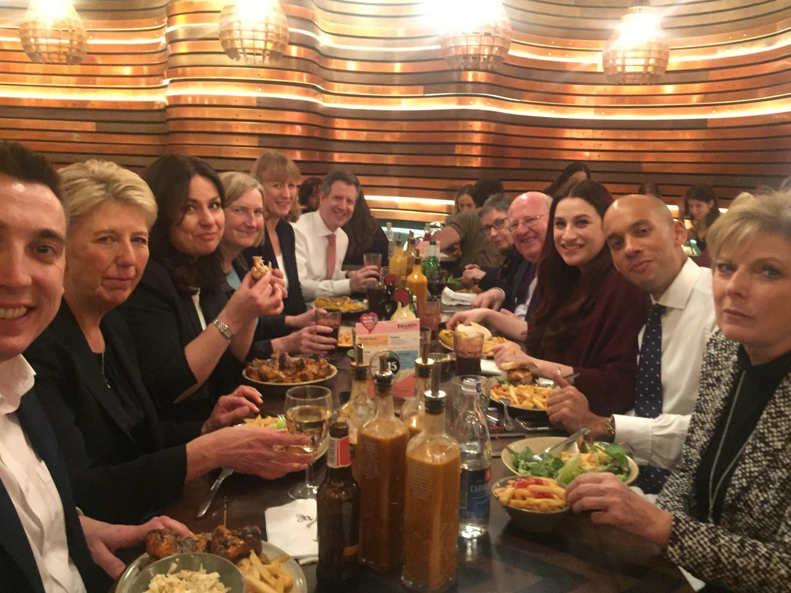 METRO GRAB from @TheIndGroup Twitter Link: https://twitter.com/TheIndGroup/status/1100123037037400064 TIG have a Nandos to look like normal people, fail miserably Credit: @TheIndGroup