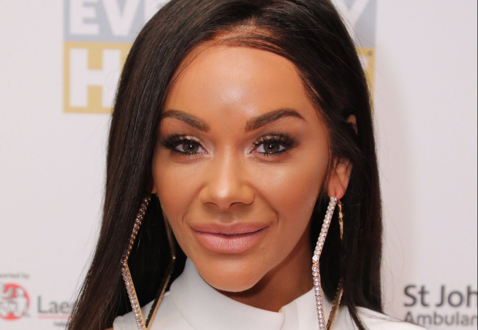 hollyoaks actress chelsee healey