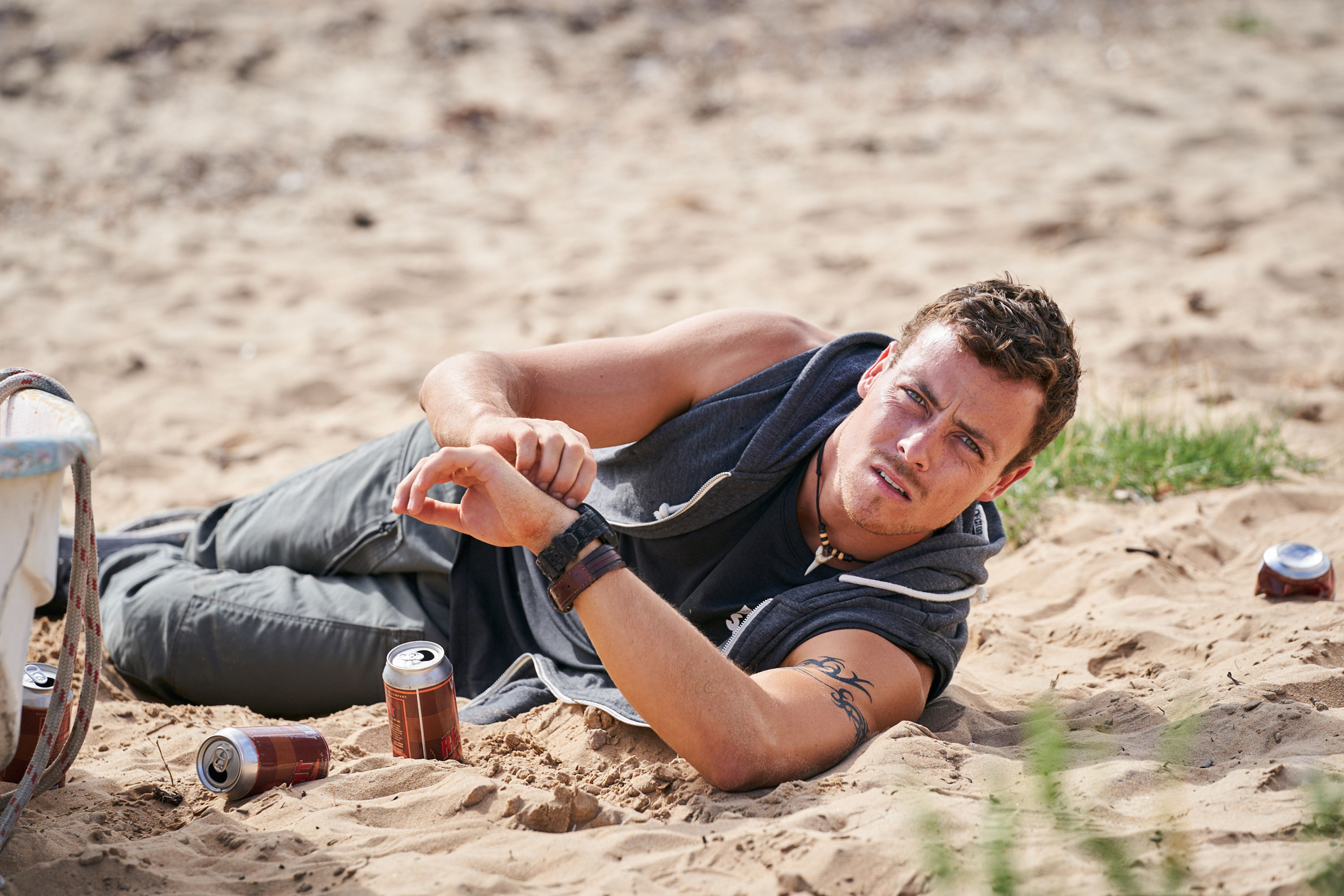 Home and Away spoilers: Death twist as Dean digs up Ross' body?