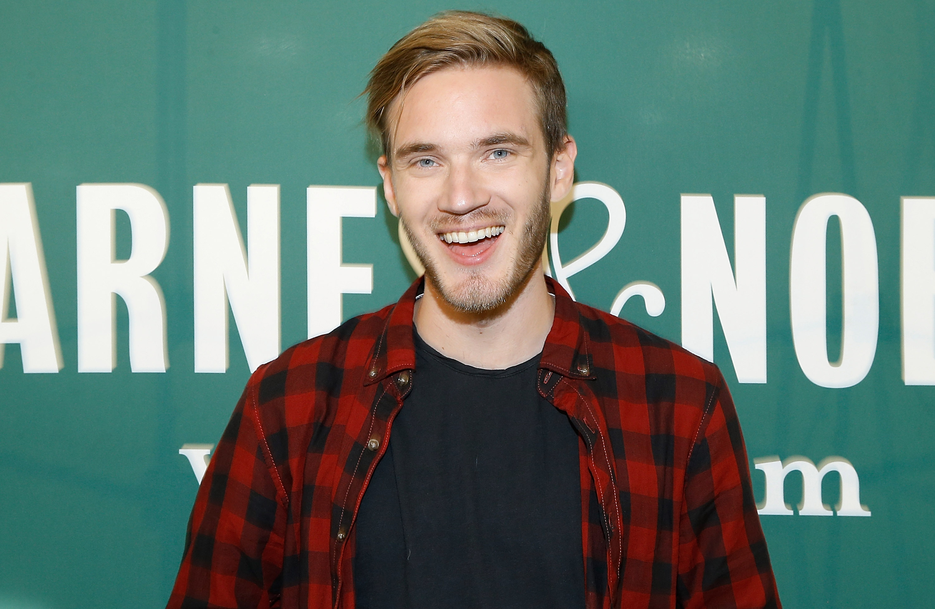 YouTuber PewDiePie attempts to 'intimidate T-Series' as music label gains lead of 7000 subscribers