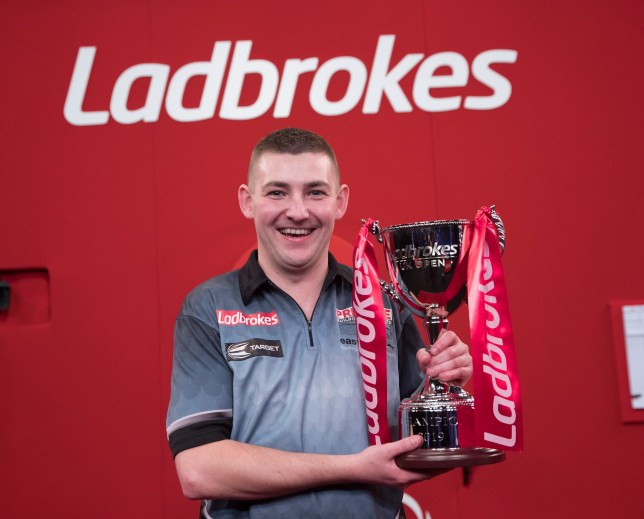 DANIEL DAY V MAIK KUIVENHOVEN LADBROKES UK OPEN 2019 BUTLINS RESORT MINEHEAD PIC LAWRENCE LUSTIG FINAL NATHAN ASPINALL V ROB CROSS NATHAN ASPINALL WINS