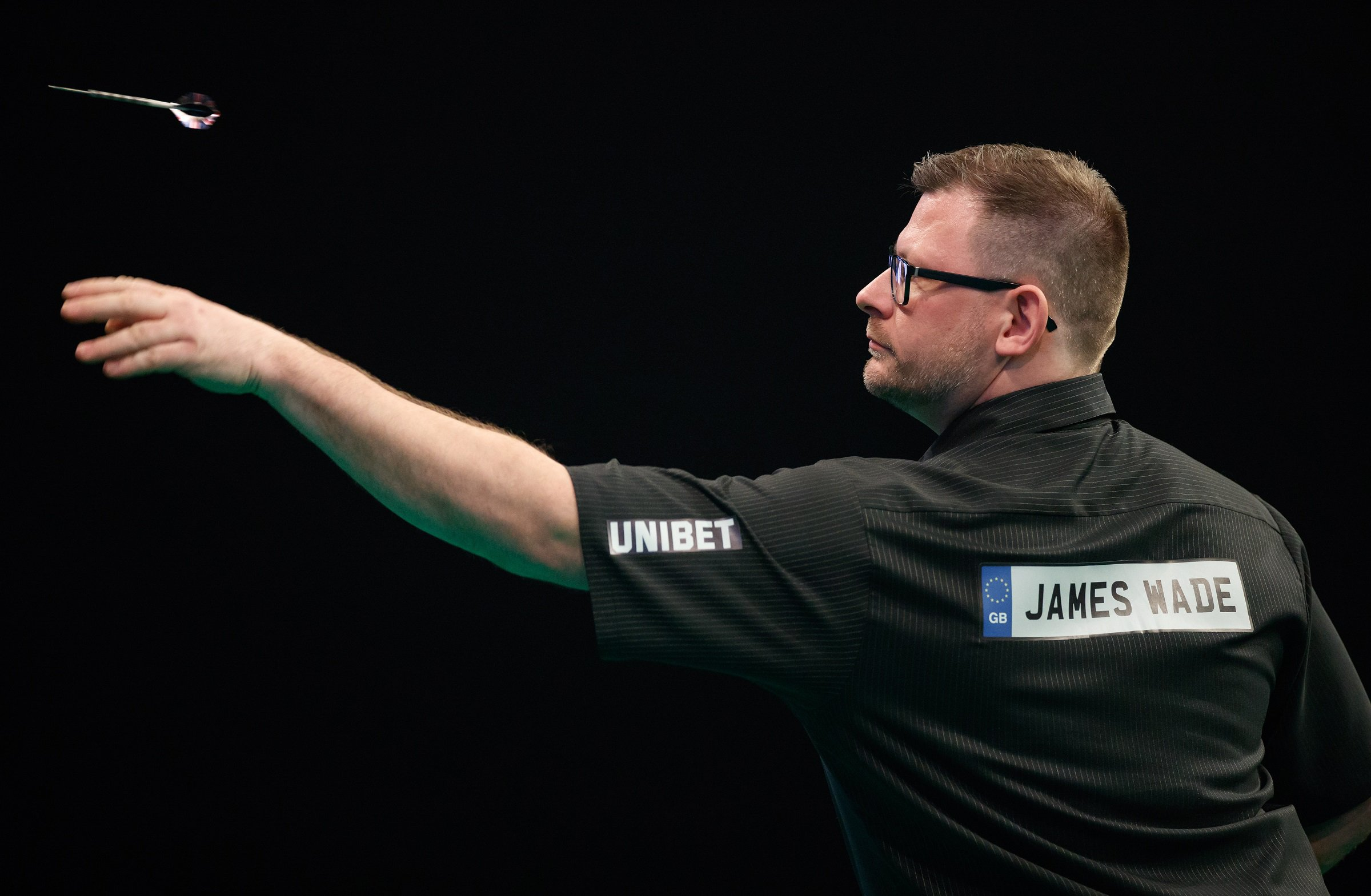 Watch James Wade hit 9-darter but still lose German Darts Championship match