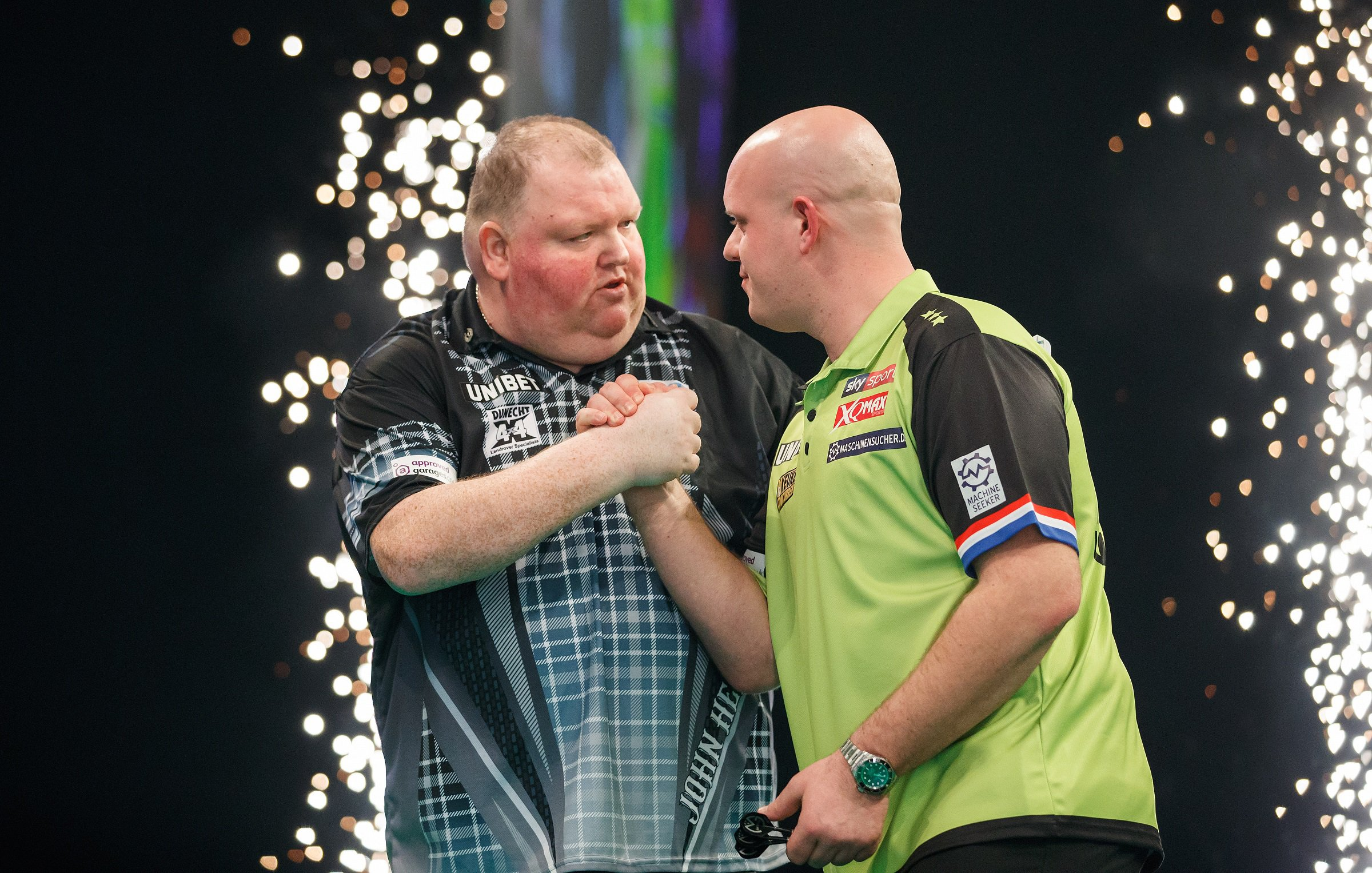 Premier League Darts: Michael van Gerwen held to a draw by John Henderson as winless run continues