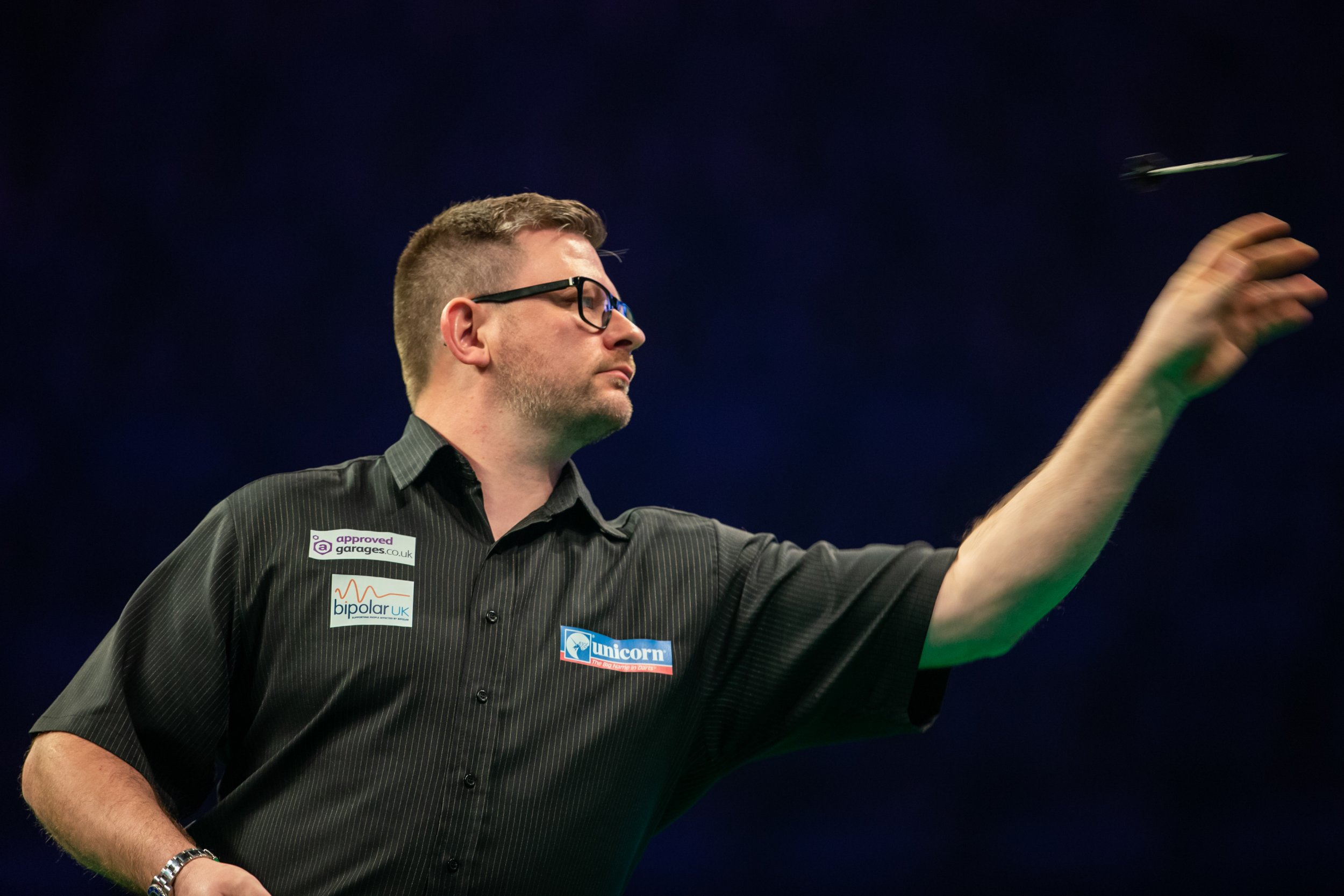 James Wade slams Peter Wright's wobbly darts after Premier League thrashing