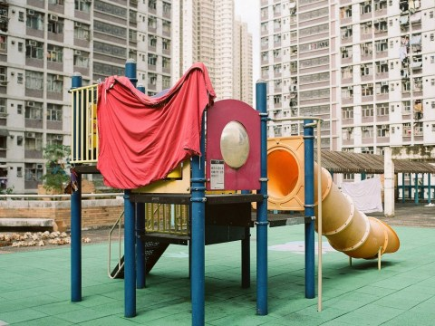 Photos capture how people living in skyscrapers in Hong Kong dry their laundry