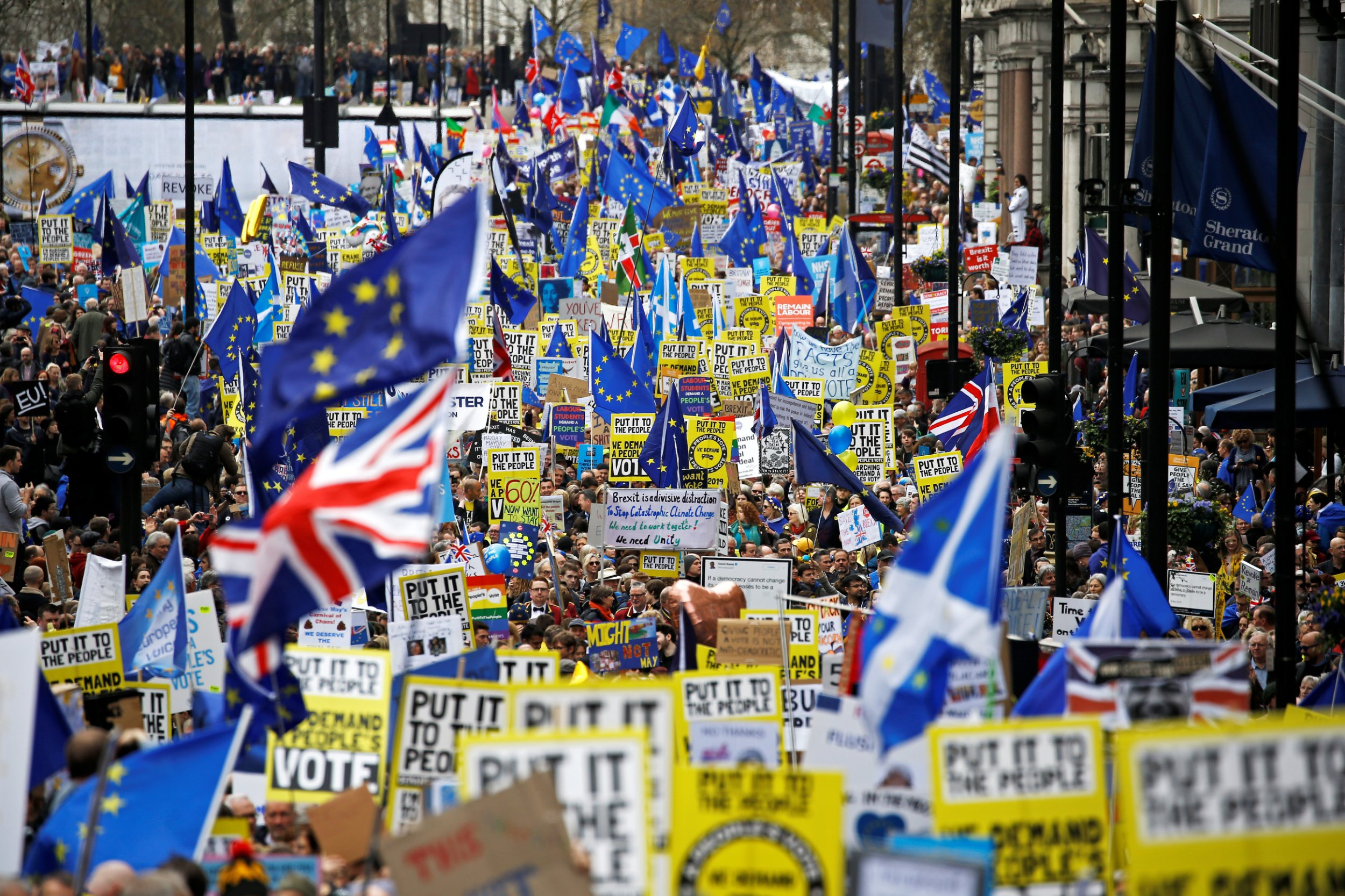 Brexit march: Hundreds of thousands head to London demanding People's Vote