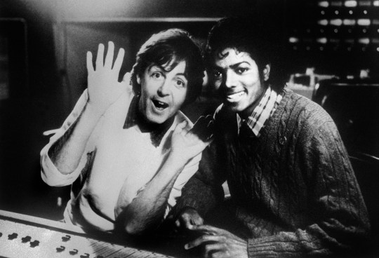 "(FILES) Photo dated on December 19, 1983 shows British singer Paul McCartney and US pop star Michael Jackson (R). Michael Jackson died on June 25, 2009 after suffering a cardiac arrest, sending shockwaves sweeping across the world and tributes pouring for the tortured music icon revered as the ""King of Pop."" AFP PHOTO (Photo credit should read -/AFP/Getty Images)"