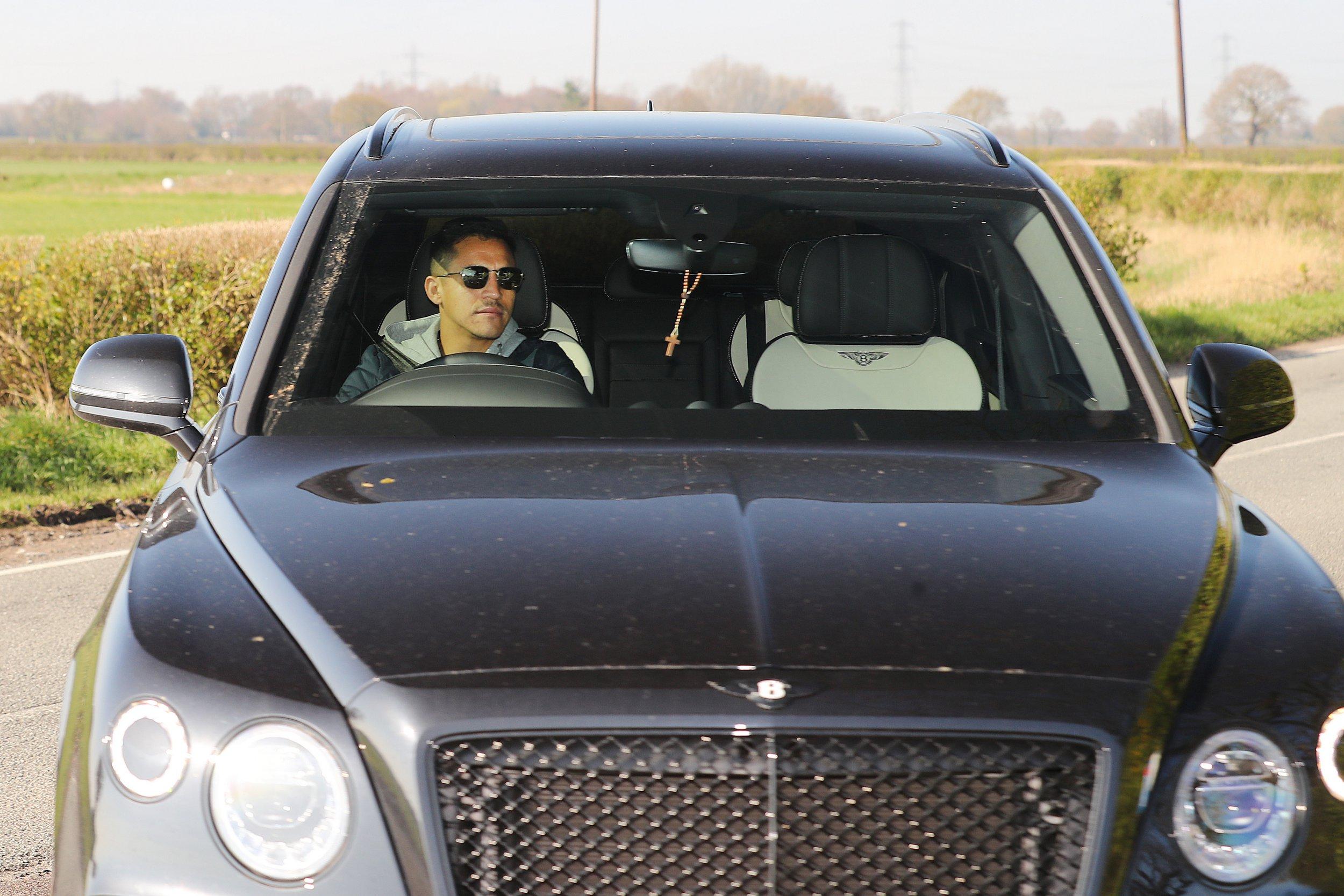 Alexis Sanchez targeting Barcelona return after resuming light training