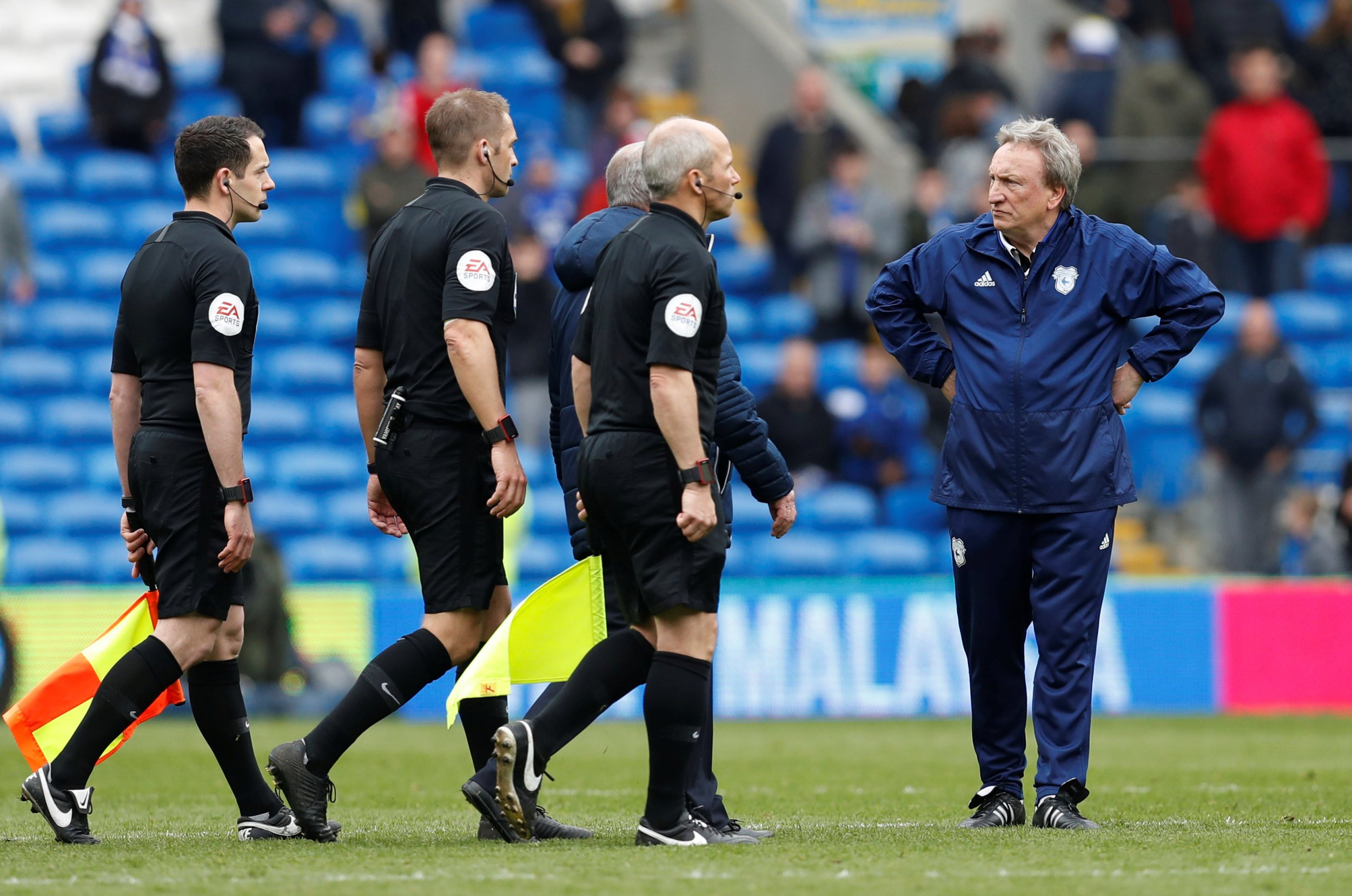 Maurizio Sarri reveals what furious Neil Warnock said after Chelsea's controversial win over Cardiff City