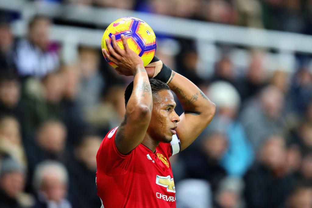 Manchester United make final decision on Antonio Valencia as contract deadline passes