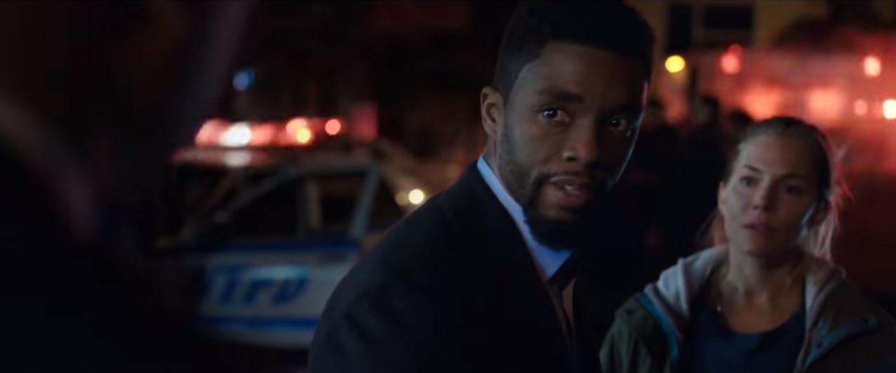 Chadwick Boseman & Sienna Miler in 21 Bridges recensie