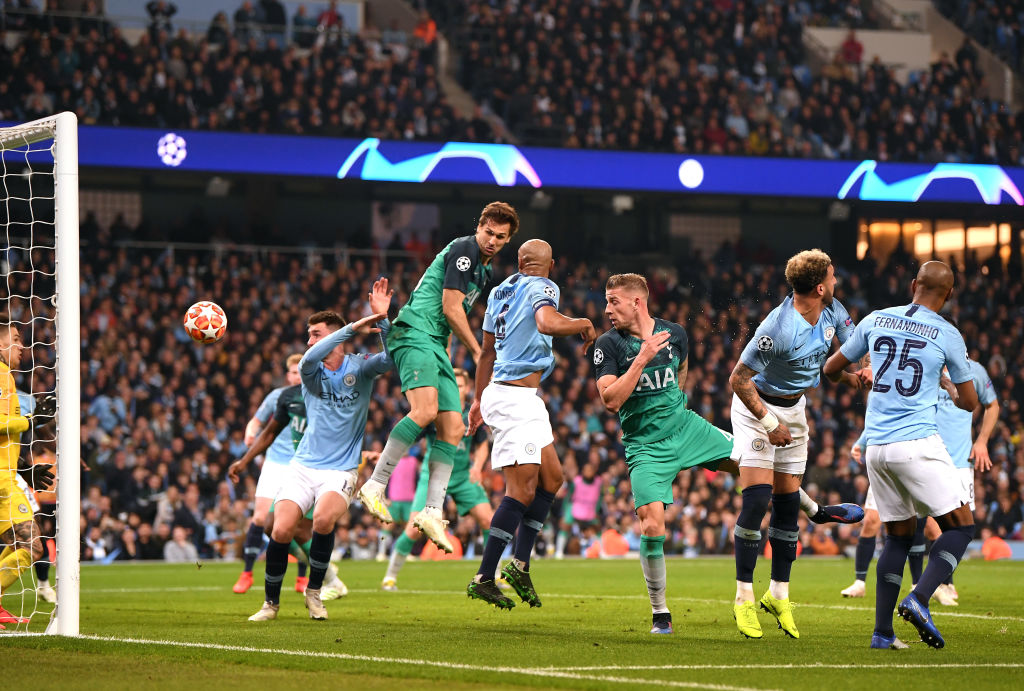 Fernando Llorente scored a controversial goal to send Spurs through