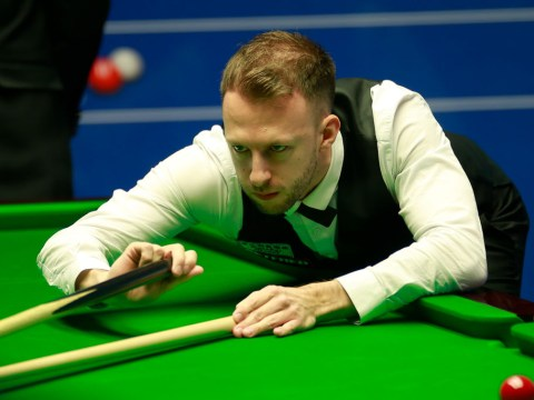 Judd Trump lays down Snooker World Championship marker in first session with Stephen Maguire