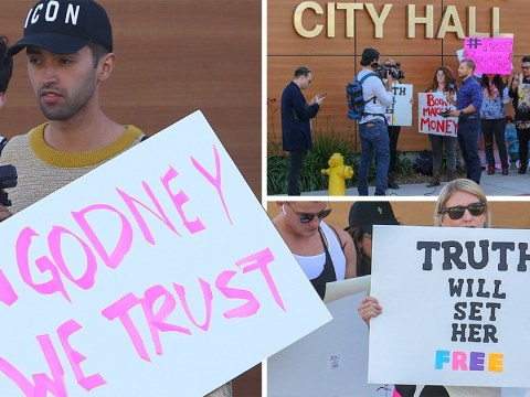 Britney Spears fans demand she is released from mental health facility in Hollywood protest