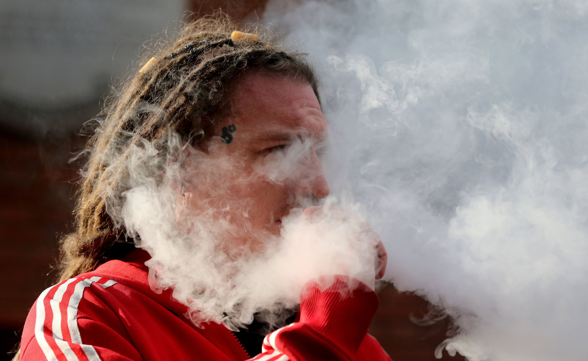 Dangers of 'vaping are being ignored' as evidence of harm mounts