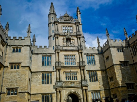 Scabies outbreak leads to 'close physical contact' warning at Oxford Uni
