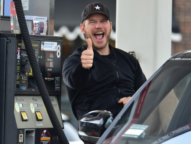 EXCLUSIVE: * Online Set Fee 300 GBP * * UK Print Min Fee 200 GBP Per Pic * Guardians Of The Galaxy star Chris Pratt gets a bit animated while pumping gas which seems to be boring work as he fills up his Range Rover at the 76 Gas Station in Brentwood, CA. Pictured: Chris Pratt Ref: SPL5076982 030419 EXCLUSIVE Picture by: London Entertainment / SplashNews.com * Online Set Fee 300 GBP * * UK Print Min Fee 200 GBP Per Pic * Splash News and Pictures Los Angeles: 310-821-2666 New York: 212-619-2666 London: 0207 644 7656 Milan: 02 4399 8577 photodesk@splashnews.com World Rights