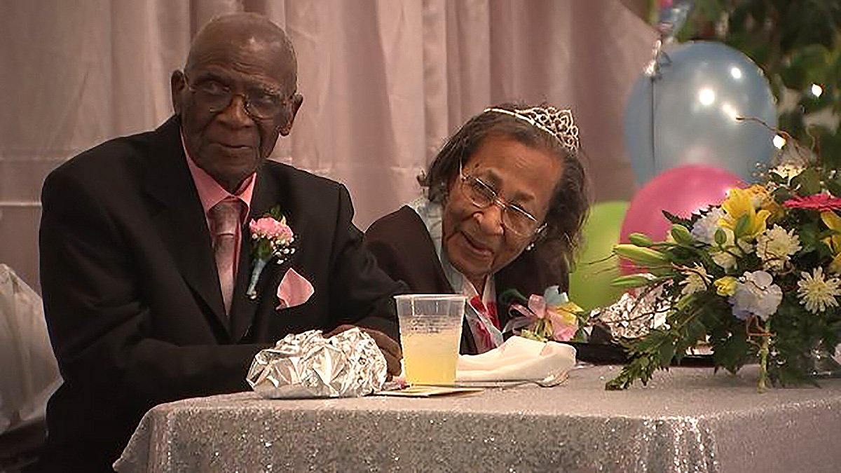 COUPLE MARRIED 82 YEARS SHARES THEIR BEAUTIFULLY SIMPLE ADVICE FOR LONG-LASTING LOVE D.W. Williams, and Willie Williams