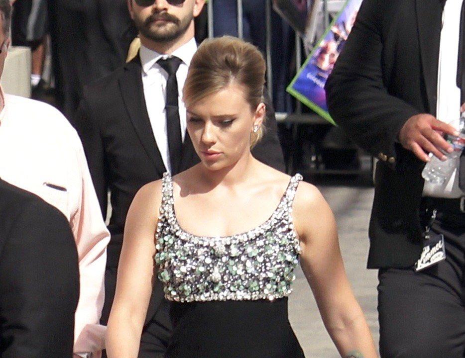 Scarlett Johansson seen arriving at 'Jimmy Kimmel Live!' in Los Angeles Pictured: Scarlett Johansson Ref: SPL5078348 080419 NON-EXCLUSIVE Picture by: JBUS15 / SplashNews.com Splash News and Pictures Los Angeles: 310-821-2666 New York: 212-619-2666 London: 0207 644 7656 Milan: 02 4399 8577 photodesk@splashnews.com World Rights,