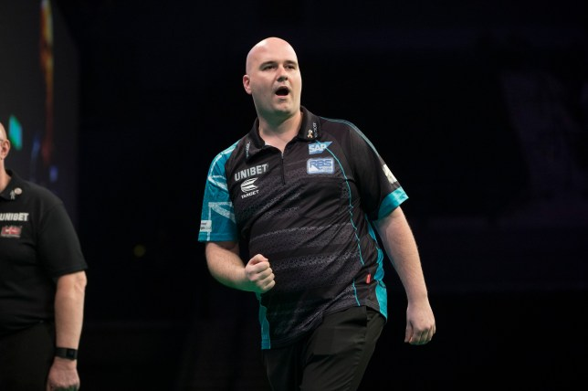 UNIBET PREMIER LEAGUE DARTS 2019 M&S BANK ARENA, LIVERPOOL PIC LAWRENCE LUSTIG ROB CROOS V PETER WRIGHT ROB CROSS IN ACTION