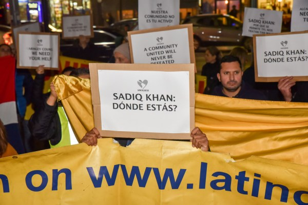 Protesters say: 'Sadiq Khan: Where are you?' (Picture: Matthew Chattle/REX/Shutterstock)