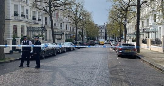 10 or more gun shot in Hollandpark street and the street is blocked. Picture:Hiroaki Katayama @KatayamaHiroaki METROGRAB https://twitter.com/KatayamaHiroaki/status/1117042144185683968