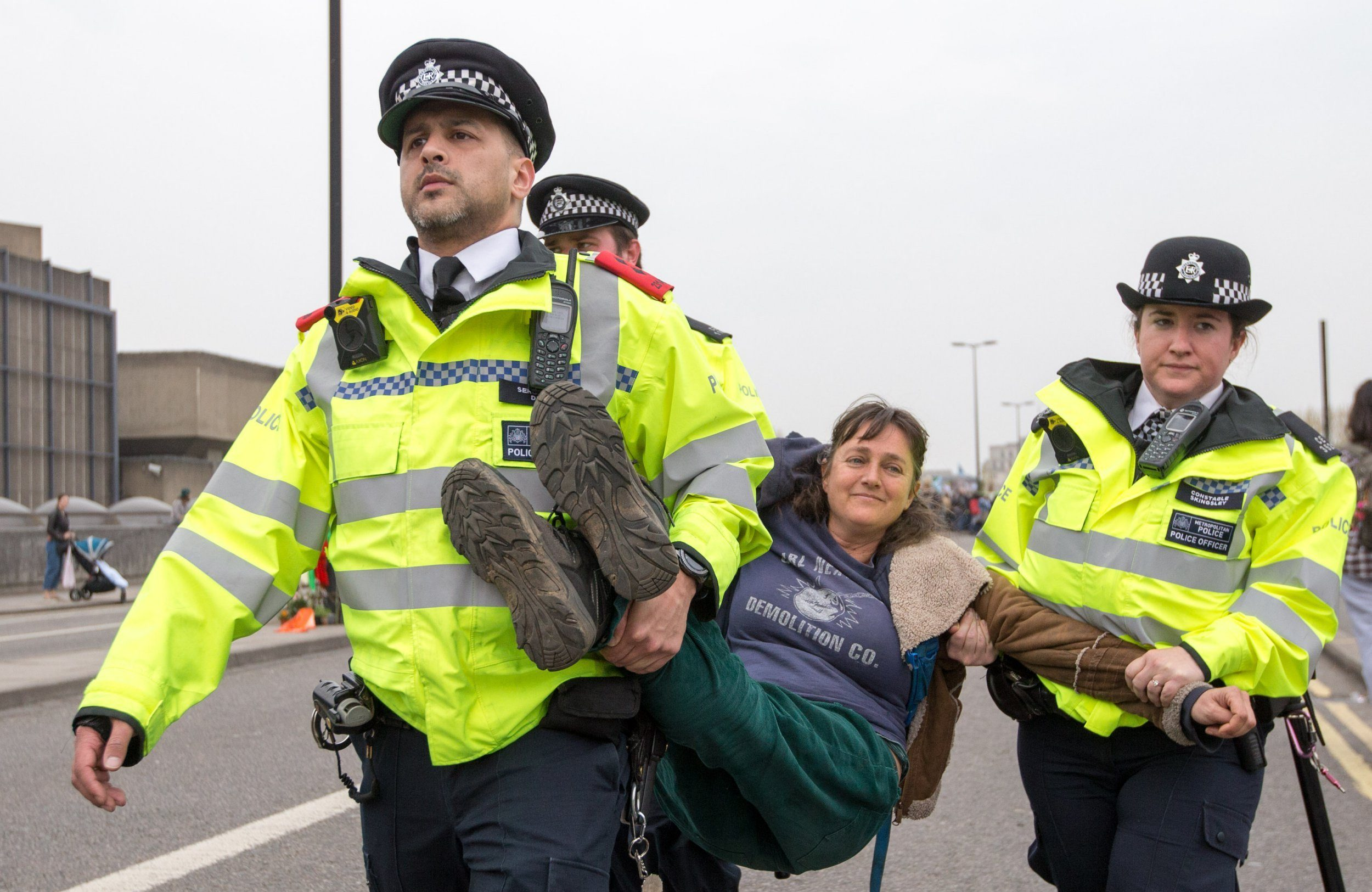 Hundreds of extra officers step in to tackle 'unique' climate change protest